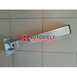 Audi A4 10/04- Upevnění předního blatníku, Pravá strana